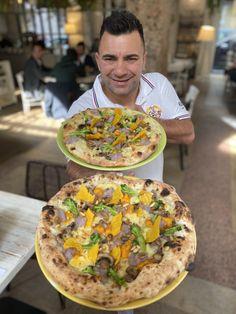 """Il cambio menu La Pizzeria nazionale procede . . . Una proposta buona bella e colorata per gli amici vegani e per tutti gli intolleranti la nostra pizza """"abruzzese"""" Crema di patata gialla e viola, funghi champignon, broccoli,crema di Zucca, cialda di polenta e pinoli tosti, Veramente una vera delizia , che dite vi piace?? A voi come piace soffice o croccante? SCRIVETELO NEI COMMENTI Pizza M, Roasted Beets And Carrots, Polenta, Pizza Recipes, Tacos, Homemade, Ethnic Recipes, Food, Gourmet"""