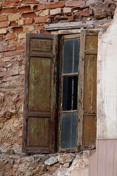 Vintage Windows, Old Windows, Windows And Doors, Door Knockers, Door Knobs, Grades, Door Detail, Window Shutters, Window Dressings