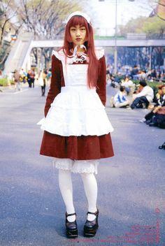 Old school lolita is old school Angelic Pretty Harajuku Girls, Harajuku Fashion, Japan Fashion, Kawaii Fashion, Lolita Fashion, 90s Fashion, Fashion Outfits, Gyaru Fashion, Sweet Fashion