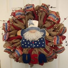 Onkel Sam USA Stars and Stripes patriotische Sackleinen Kranz von DebsDarlinWoodcrafts . - of july/americana - Wreath Wood Stars, Star Wars, Wired Ribbon, Painting On Wood, 4th Of July Wreath, Burlap Wreath, Stripes, Hand Painted, Etsy