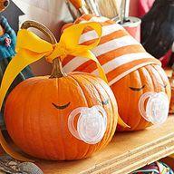 Creative Pumpkin Crafts - Creative, Pumpkin Halloween Bebes, Adornos Halloween, Theme Halloween, Halloween Pumpkins, Halloween Crafts, Halloween Decorations, Halloween 2015, Pumpkin Decorations, Halloween Baby Showers