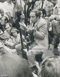 Prime Minister Pierre Trudeau dans La Chaise 1970