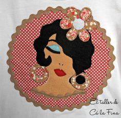 Detalle de camiseta flamenca para niña, modelo Rocío en camel. #camisetasflamencas #camisetaspersonalizadas #camisetasdecoradas Felt Dolls, Paper Dolls, Felt Crafts, Diy And Crafts, Sewing Appliques, Crown Jewels, Learn To Sew, Embroidery Applique, Textile Art