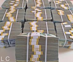 10 Wealth Affirmations to Attract Riches Into Your Life Cash Money, Mo Money, Money Girl, Money Bank, Cash Cash, Make Money Online, How To Make Money, Jackpot Winners, Argent Paypal