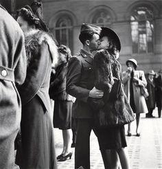 vintage everyday: B Photos of Life in World War II