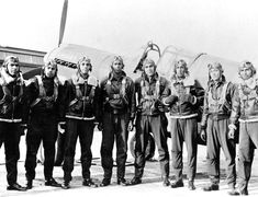 Factsheets : Davis Leads the Into Combat Library Of Congress Photos, Tuskegee Airmen, Pilot Training, Black History Month, National Museum, Armed Forces, Historical Photos, The Past, African