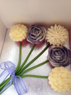 Beautiful idea.  What a surprise when your mom opens the box! http://www.aspecialtybox.com/Cake-Boxes_c_573.html