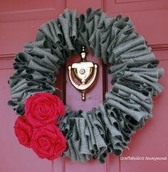 Love this burlap Christmas wreath! Inspiration from Craftaholics Anonymous. Do it! #DIY #Christmas #crafts