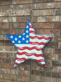 of july door hanger, patriotic door hanger, summer door hanger 4th Of July Party, Fourth Of July, 4th Of July Decorations, Christmas Decorations, Craft Stick Crafts, Crafts For Kids, Craft Ideas, Flag Painting, July Crafts