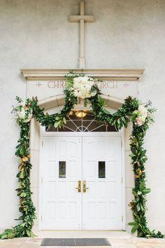 Elige una guirnalda de flores para decorar tu boda y ¡triunfa! Image: 7