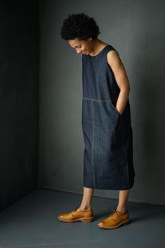 The Whittaker - Merchant & Mills Looks very fun as a jumper. Looks Plus Size, Look Plus, Linen Dress Pattern, Linen Tunic, Merchant And Mills, Dress Making Patterns, Linen Dresses, Mode Inspiration, Mode Outfits