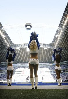The Dallas Cowboys cheerleaders before Sundays game against the Vikings. The Dallas Cowboys played the Minnesota Vikings at Texas Stadium in Irving on Sunday afternoon October 21, 2007. (Fort Worth Star-Telegram/Ralph Lauer)