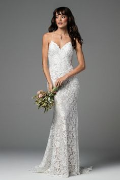 Speed Dating - Wedding Dresses & Gowns 2017 / wedding gown: www.stylemepretty Photography: Courtesy Willowby by Watter New York Wedding Dresses, Jenny Packham Wedding Dresses, Lace Wedding Dress, Wedding Dress Trends, Wedding Dress Sizes, Sexy Wedding Dresses, Designer Wedding Dresses, Bridal Dresses, Wedding Gowns