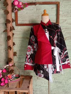 Blouse Batik, Batik Dress, Anna Sui Fashion, Batik Fashion, Designs For Dresses, Dressmaking, Bridal Style, African Fashion, Kimono Top