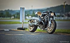 RocketGarage Cafe Racer: BMW R Nine T Custom Project