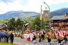 #Fronleichnamsprozession im Kleinwalsertal #Riezlern, Österreich, #Austria Germany, Fair Grounds, Street View, Travel, Viajes, Deutsch, Destinations, Traveling, Trips