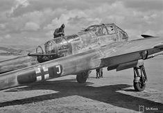 "Focke-Wulf Fw 189A-3 ""V7+1J"" close-up. Lake Tikshozero, Finland. Date: 10-6-1943. Photographer: V.Hollming Source: SA-Kuva, 130320."