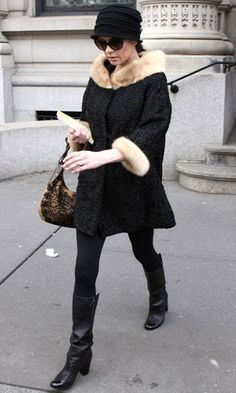 Catherine Zeta-Jones nailed daytime glamour in her fur-trim jacquard coat as she stepped out in New York, she finished the old Hollywood-inspired look with a pair of retro cateye sunglasses and a cute cloche hat. www.pertlybeast.com
