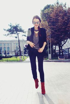 Andreea Birsan - Christian Dior Sunglasses, H&M Necklace, Only Sweater, Mango Blazer, Pelledoca Bag, Mango Jeans, Mango Suede Boots - 1510 | LOOKBOOK