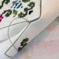 Biscornu « Save the Stitches! great construction  instructions  Boas explicações com fotos