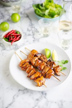 Sous Vide chicken kebabs with soy, ginger, honey & lime Instant Pot Sous Vide, Cherry Sauce, Honey And Soy Sauce, Lime Recipes, Mexica, Roasted Cauliflower, Cauliflower Hummus, Boneless Chicken Breast, Chicken And Dumplings