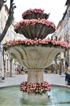A rose-bedecked fountain in Grasse, in the Alpes-Maritimes department on the French Riviera. Oh The Places You'll Go, Places To Travel, Provence, Beautiful World, Beautiful Places, Beautiful Roses, Belle France, South Of France, French Riviera