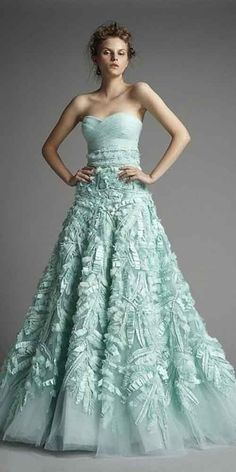 Zuhair Murad - Mint Green Gown, the dress is gorgeous. Mint Wedding Dresses, Gorgeous Wedding Dress, Beautiful Gowns, Beautiful Outfits, Wedding Gowns, Aqua Wedding, Mint Weddings, Wedding Mandap, Wedding Stage