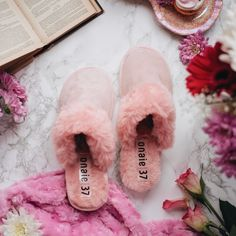 Perfect summer slippers are just one click away 💕 Please remember to use ONAIE25 in the checkout to get 25% off! #handmadewithlove #handmadeslippers #handcrafted #handmadegifts #makersgonnamake #madebyhand #makersgunnamake #handmadelife #buydifferently #interiordesign #homeinspo #favehandmade Presents For Mum, Womens Slippers, Mother Gifts, Interior Decorating, Artisan, Stylish, Unique, Handmade Gifts, Inspiration