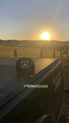 Foto Cowgirl, Pickup Car, Toyota Hilux, Insta Photo Ideas, 4x4, Chevrolet, Snapchat, Wallpaper, Photography