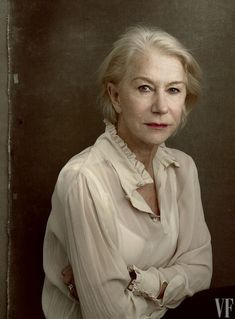 Helen Mirren, Vanity Fair's 2016 Hollywood Portfolio. Photo by Annie Leibovitz. Annie Leibovitz Fotos, Annie Leibovitz Portraits, Anne Leibovitz, Annie Leibovitz Photography, Helen Mirren, Famous Photographers, Portrait Photographers, Vanity Fair, Foto Cv