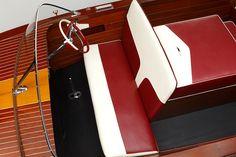 Classic Chris-Craft 17' Ski Boat