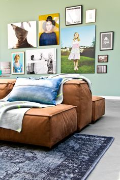 Home design ideas / Home inspirations | Complete your living room wall with outstanding paintings. Choose the colors well.