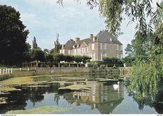 Frankreich - COURCY - Le Château