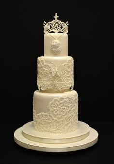 laces and tiara piped with Royal Icing to create a wedding cake in the appearance of a bride's wedding dress