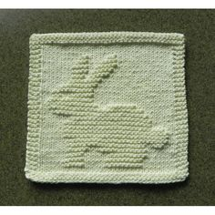 BUNNY RABBIT Baby Wash Cloth hand knitted in ivory cotton yarn by Aunt Susan. Spring or Easter kitchen accessory as a dishcloth or hostess gift. Knitted Washcloth Patterns, Kids Knitting Patterns, Knitted Washcloths, Dishcloth Knitting Patterns, Knit Dishcloth, Knitting For Kids, Easy Knitting, Baby Patterns, Knitting Projects