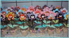 Vasinhos flores Thetê