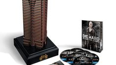Unboxing Nakatomi plaza die hard Collection.