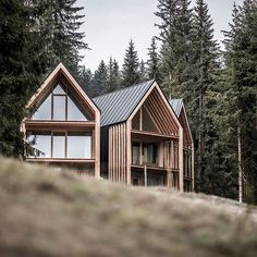 Refuge Meranza Italy 2019 / Project by Andreas Gruber . Arch House, House Roof, Timber Architecture, Architecture Design, Italy Architecture, Modern Barn House, House Cladding, Tiny House Design, Exterior Design