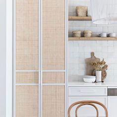 Home Interior Classic .Home Interior Classic Interior Desing, Home Interior, Interior Colors, Kitchen Decor, Kitchen Design, Cheap Bathrooms, Home Decor Quotes, Cuisines Design, Traditional House