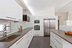 Kitchen Art Deco Fashion, Kitchen Decor, Kitchen Cabinets, House, Home Decor, Bling, Interiors, Dreams, Decoration