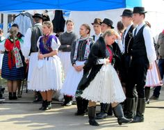 Beaux Villages, Folk Dance, Costumes, Budapest, How To Wear, Military, Traditional, Amazing, Dresses