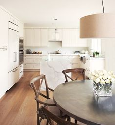 Creamy White Kitchen // Photography Angus Fergusson // House & Home December 2010 issue