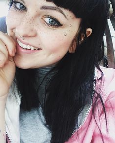 Should You Get Freckle Tattoos – Pics, Review | StyleCaster