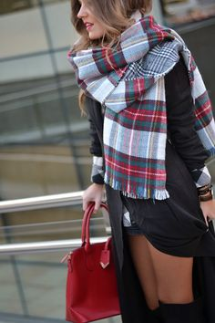 Love this scarf for the winter