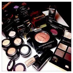 The Beauty Look Book: The Beauty Look Book Blog Sale