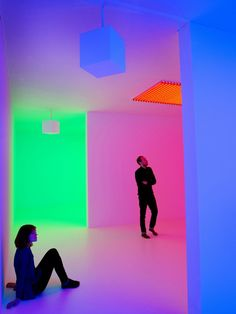 """Artist: Carlos Cruz-Diez""""Physichromies"""" - Kinetic and Op Art. Cruz-Diez lives and works in Paris since He runs workshops in Panama, Miami, and Caracas. Op Art, Neon Colors, Light Colors, Trip The Light Fantastic, Hayward Gallery, Graphisches Design, Neon Aesthetic, Light And Space, Light Installation"""