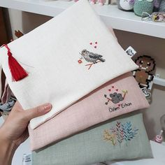 My summer handbags set out today to reach their owners . Embroidery Bags, Shirt Embroidery, Hand Embroidery Designs, Embroidery Stitches, Embroidery Patterns, Cross Stitch Designs, Cross Stitch Patterns, Pencil Case Pouch, Summer Handbags