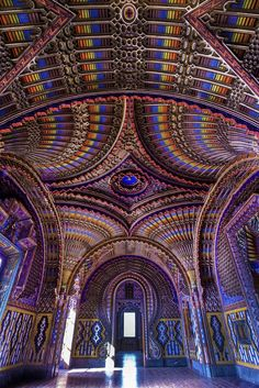 Tuscany, Italy - Forgotten for 20 years, the Castello di Sammezzano in Toscana is reborn today. Explore here the dazzling Moorish interiors of this Tuscan castle. Beautiful Architecture, Art And Architecture, Architecture Geometric, Italy Holidays, Italy Travel Tips, Places In Italy, Italy Tours, Tourist Information, Visit Italy