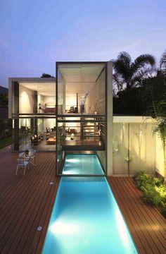 house in la planicie by doblado arquitectos.  privacy is so 1998.