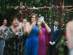 These 23 Wedding Photos that Will Make you Want to have an Unplugged Wedding. 23 Reasons to ban Phones, Cameras and iPads from your wedding.